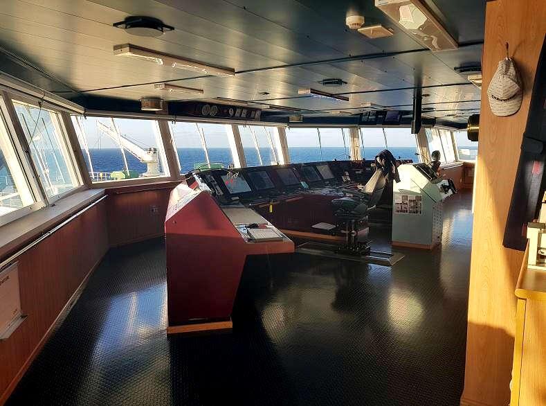 pre purchase survey ships bridge